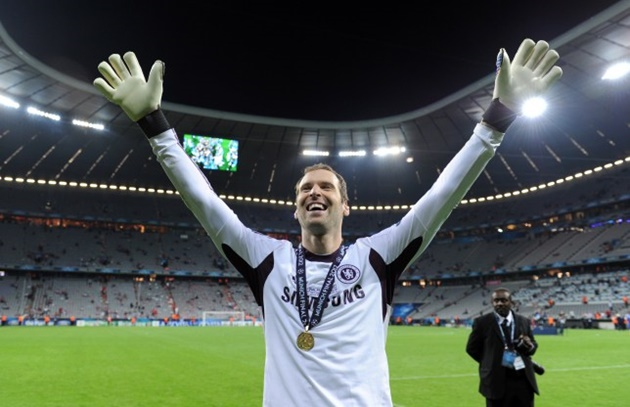 From Petr Cech playing ice hockey to Usain Bolt swapping track and field for football, stars who swapped their sports - Bóng Đá