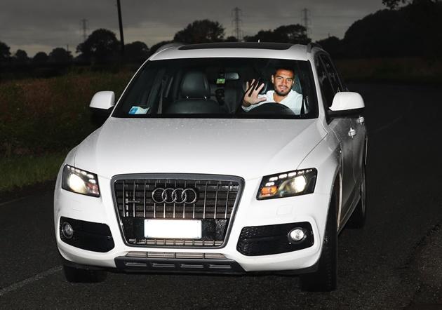 Ảnh Man Utd đến sân tập - Bóng Đá