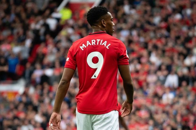 What Solskjaer told Anthony Martial after giving him Manchester United No 9 shirt - Bóng Đá