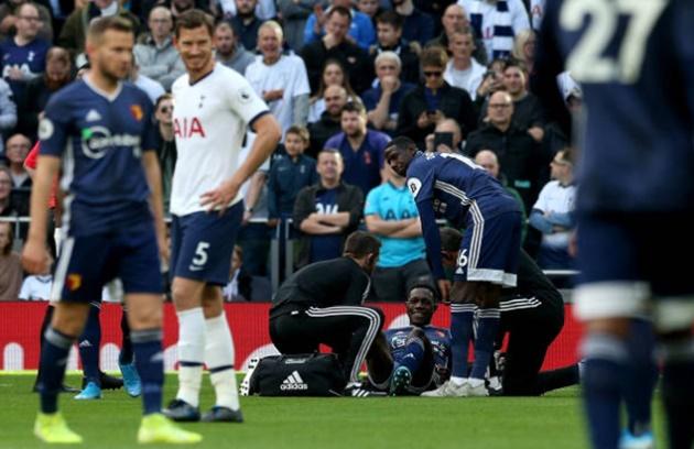 Ex-Arsenal ace Danny Welbeck injured after just 55 SECONDS for Watford at Tottenham - Bóng Đá