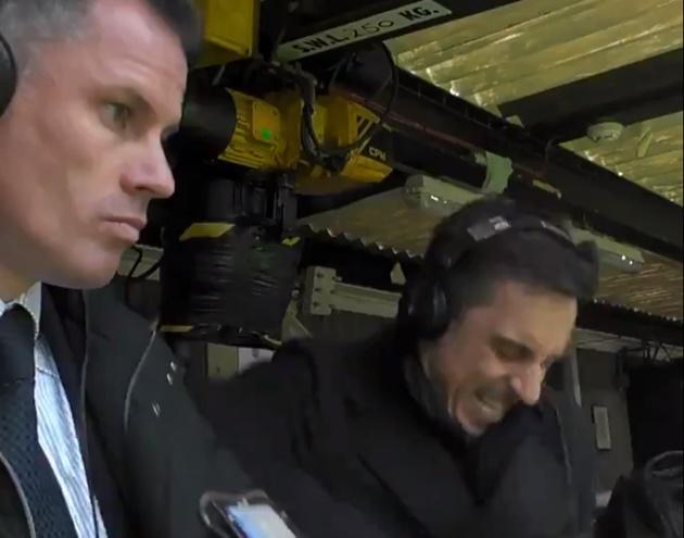 Neville ăn mừng bàn thắng Rashford trước mặt Carragher - Bóng Đá