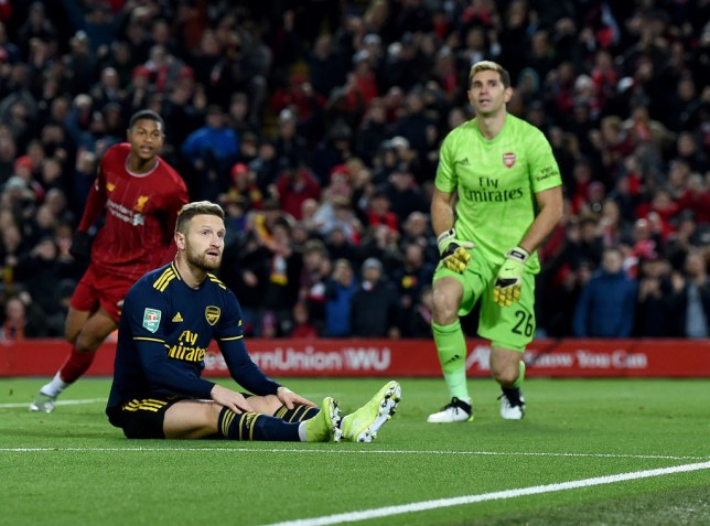 Jamie Carragher tells Arsenal to sell Shkodran Mustafi after Liverpool defeat - Bóng Đá