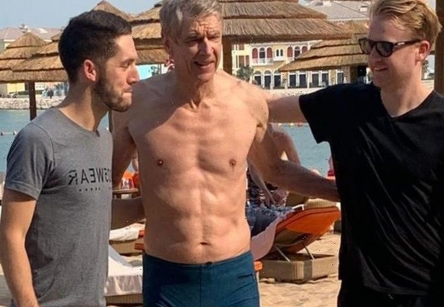 Arsene Wenger, 70, shows off six-pack on Dubai beach ahead of Bayern Munich talks - Bóng Đá