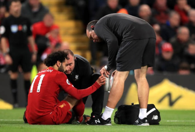 Liverpool sweating with Mohamed Salah spotted wearing protective boot - Bóng Đá