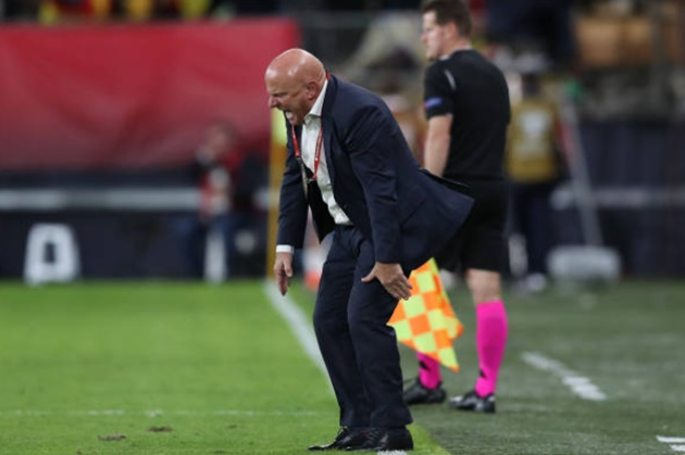 Malta coach 'knocks himself out' on dugout and does not remember second half of Spain loss - Bóng Đá