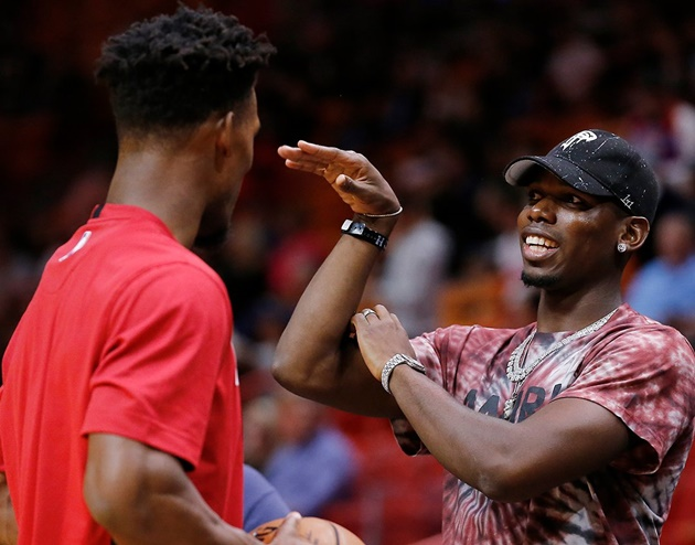 Paul Pogba raises hopes he will be fit for Man Utd soon in gym workout before court side outing at Miami Heat game - Bóng Đá