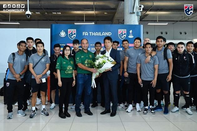 Ảnh Thái Lan về nước - Bóng Đá