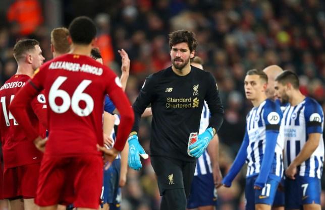 Liverpool star Virgil van Dijk reveals who was to blame for Alisson Becker red card vs Brighton  - Bóng Đá