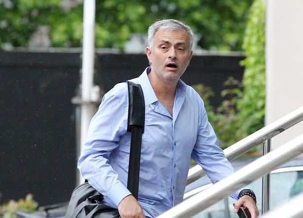 Jose Mourinho vehemently defends Man Utd reign and explains why he never left his hotel - Bóng Đá