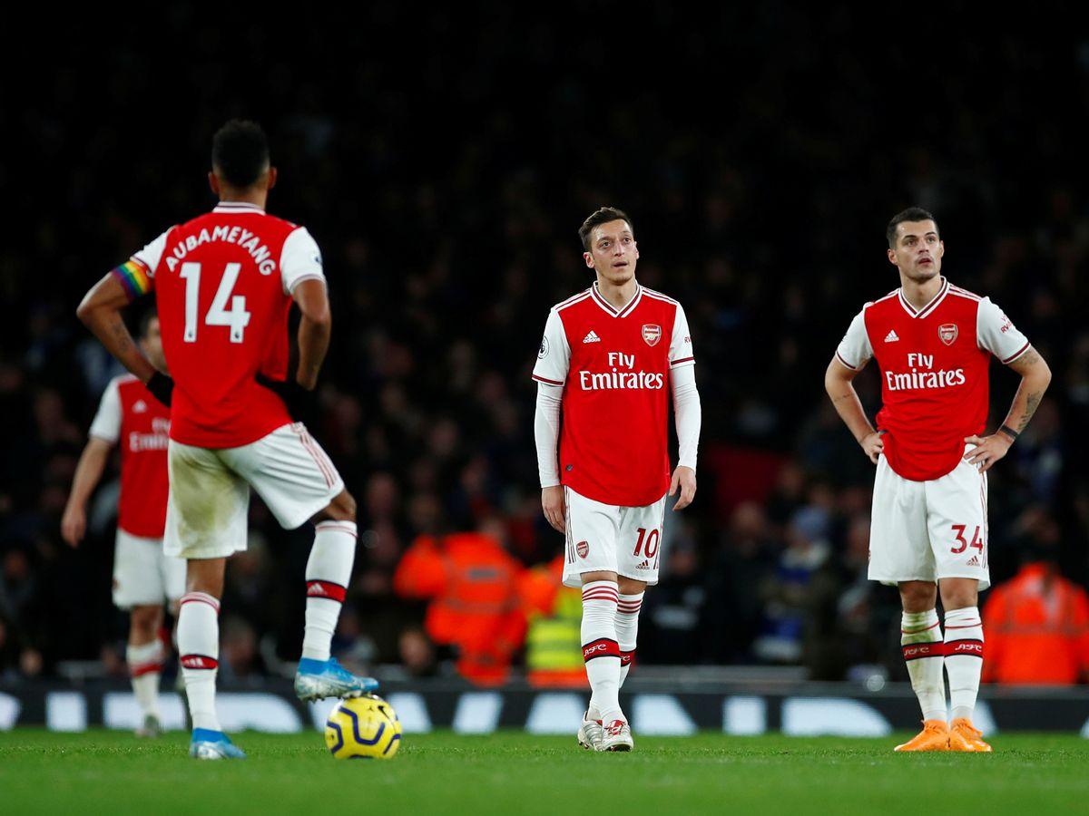 'He shouldn't be in the team!' Arsenal legend Liam Brady absolutely destroys Mesut Ozil   - Bóng Đá