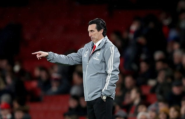 Manchester City boss Pep Guardiola says Arsenal sacked Unai Emery because of his results, not his accent - Bóng Đá
