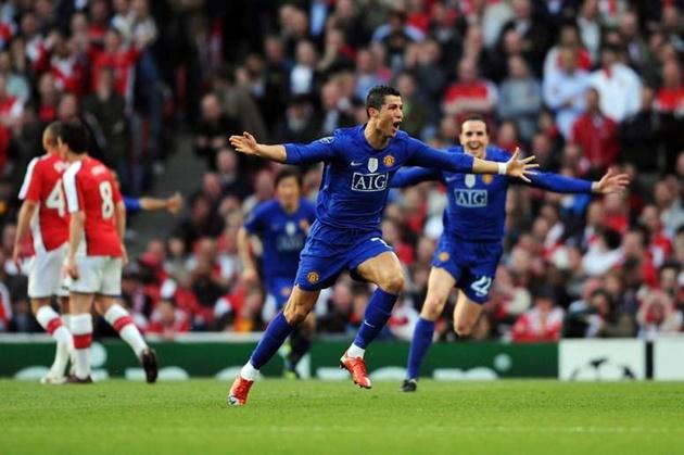 Cristiano Ronaldo's ten best goals that stunned the world after Juventus star's astonishing header against Sampdoria - Bóng Đá