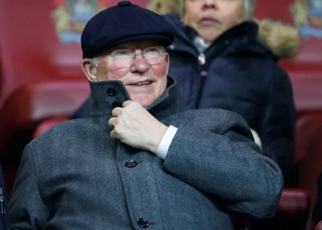Sir Alex Ferguson not impressed with Solskjaer's subs – as Man Utd legend is left speechless at Shaw replacing Martial - Bóng Đá