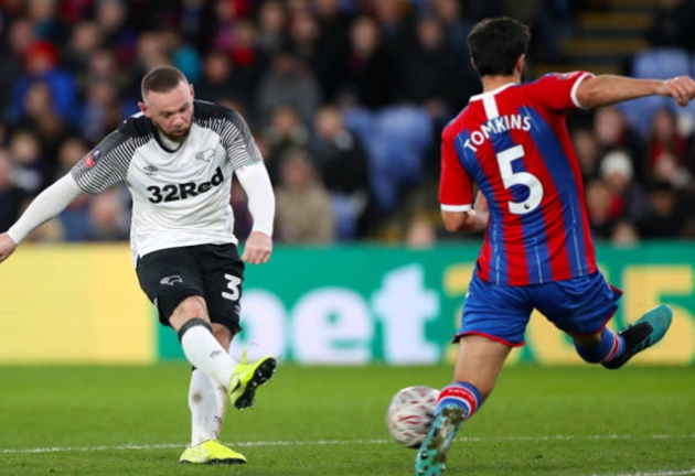 Crystal Palace 0 Derby 1: Rooney's side stun Eagles as Milivojevic is sent off using pitch-side monitor in VAR first - Bóng Đá