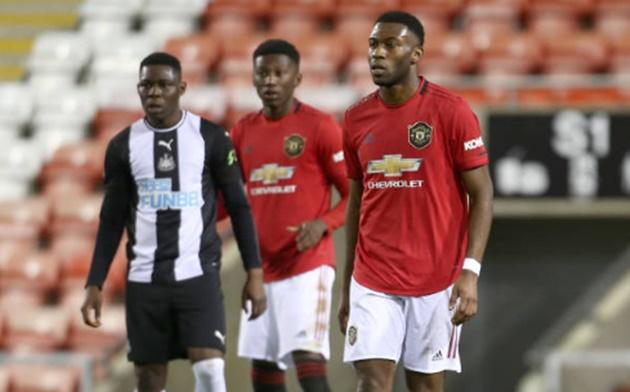 Bailly + Mensah đá cho đội U23 Man Utd - Bóng Đá