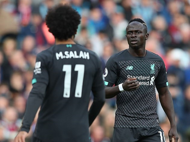 Jurgen Klopp held private chats with Sadio Mane and Mohamed Salah in bid to ease tensions after Liverpool pair clashed during victory - Bóng Đá