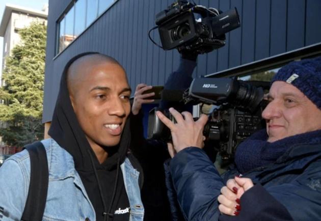 Ảnh Young đến Inter - Bóng Đá