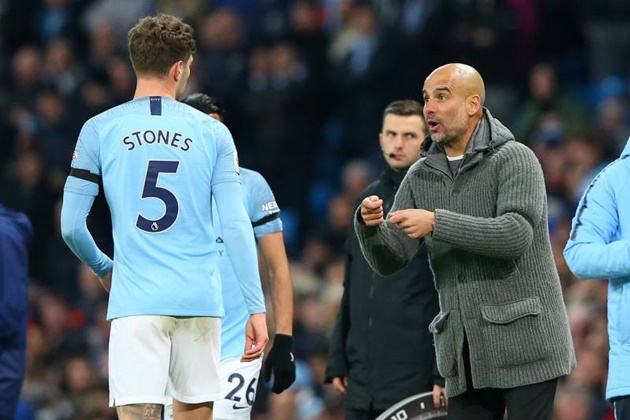 John Stones arrives at City training in new £265k Rolls Royce… but struggles to get in as security don't recognise car - Bóng Đá