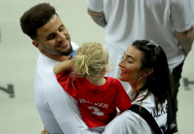 England ace Kyle Walker is revealed as the father of model Lauryn Goodman's 'miracle' lovechild - Bóng Đá