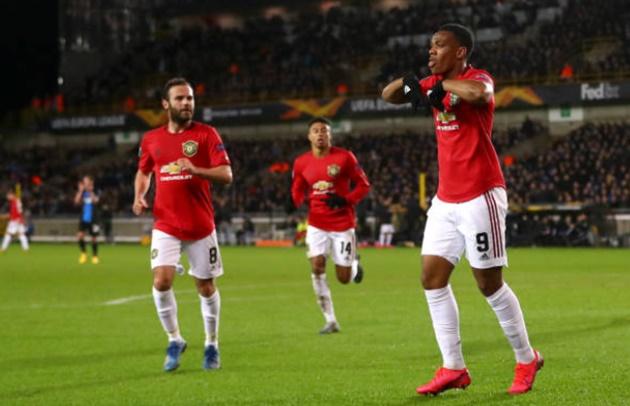 Martial ngừng ăn mừng, chấn chỉnh Pereira - Bóng Đá