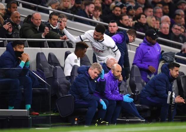 Arsene Wenger reacts to Jose Mourinho's decision to drop Dele Alli for Tottenham's clash with Chelsea   - Bóng Đá