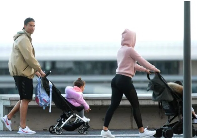 Cristiano Ronaldo and Georgina Rodriguez walk through centre of Madeira with the kids despite coronavirus fears - Bóng Đá