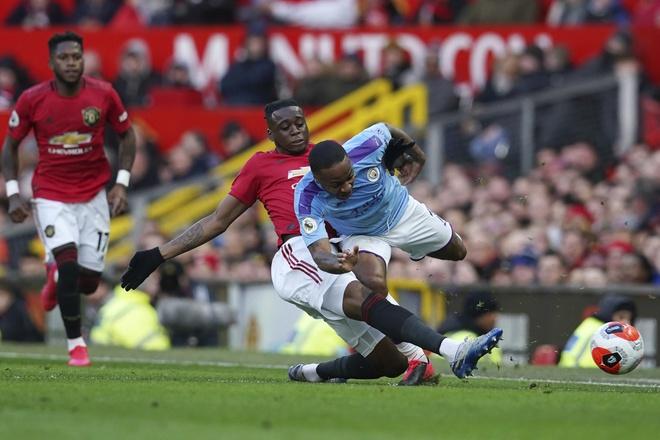 Man Utd defender Aaron Wan-Bissaka names Man City ace Raheem Sterling as his 'toughest opponent'   - Bóng Đá
