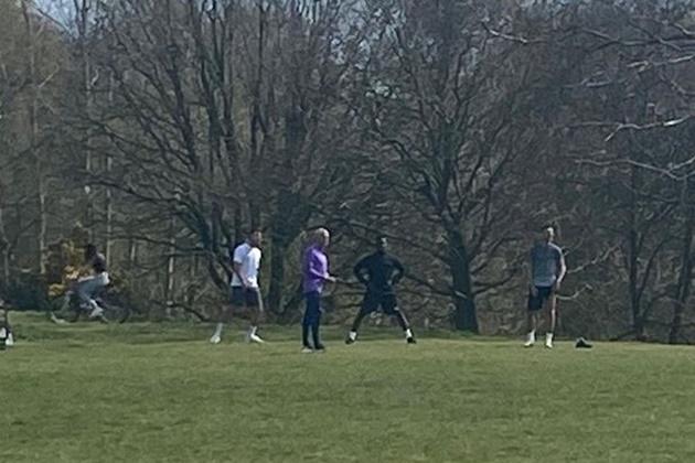 Mourinho Organises Public Training Session - Bóng Đá