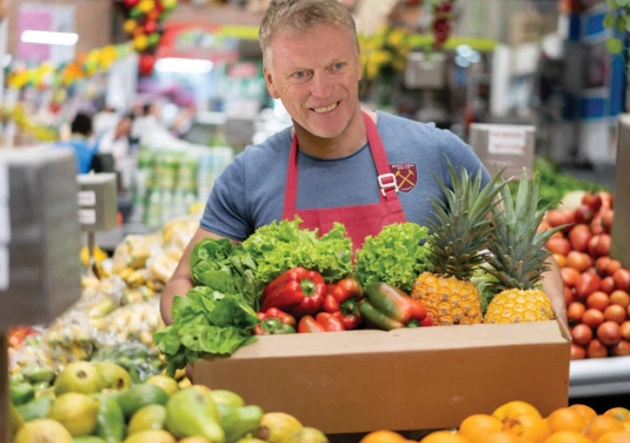 West Ham boss David Moyes has become a fruit and veg delivery driver during coronavirus lockdown – and he even gets tips - Bóng Đá