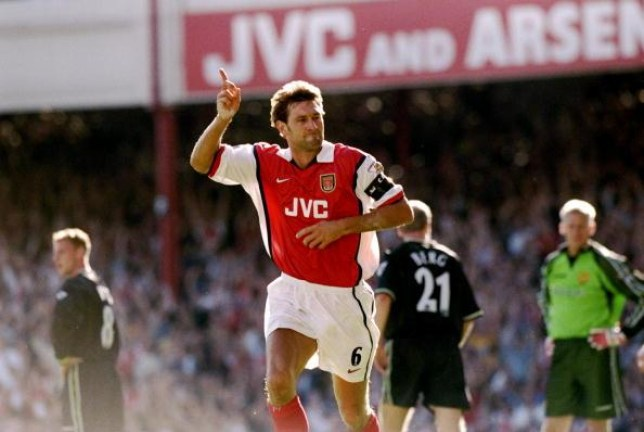 Manchester United should have signed Arsenal legend Tony Adams, says Phil Neville    - Bóng Đá