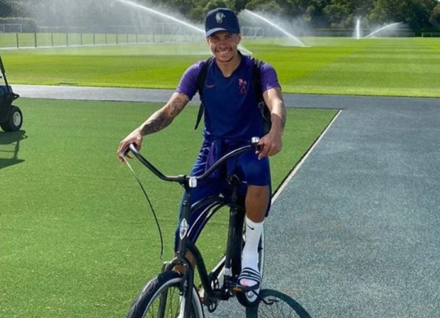 Dele Alli rides his bike to Spurs training as Son Heung-min and Co return for solo sessions after coronavirus lockdown - Bóng Đá