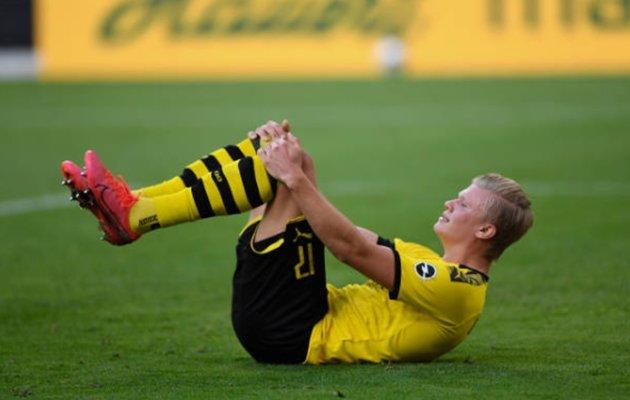 Dortmund striker Erling Haaland suffers minor knee injury after clash with referee - Bóng Đá