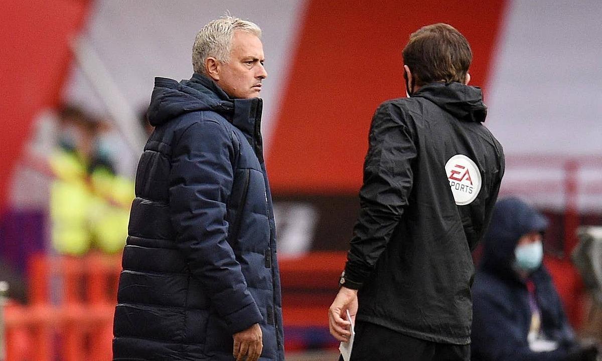 Irate Jose Mourinho blasts VAR: 'A man in an office is ruining football' - Bóng Đá