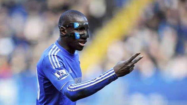 Former Chelsea star Ba reveals how Mourinho blocked his transfer to Arsenal - Bóng Đá