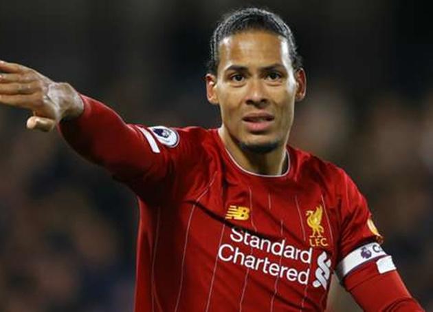 Toure identifies weakness in 'unbelievable' Liverpool defender Van Dijk - Bóng Đá