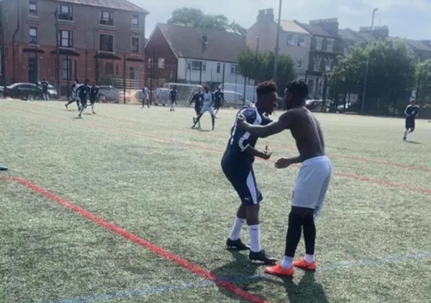 Chelsea's Hudson-Odoi plays Sunday league game to raise awareness of knife-crime just 12 hours after Bayern match - Bóng Đá