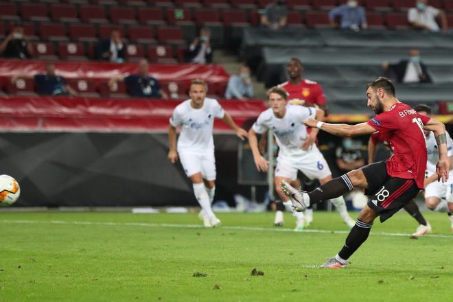 Bruno Fernandes penalty: Solskjaer explains why Manchester United star changed technique vs FC Copenhagen - Bóng Đá