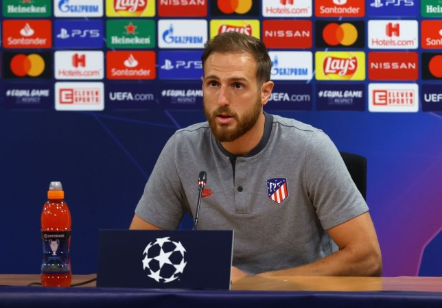 Atletico Madrid goalkeeper Jan Oblak responds to Chelsea transfer rumours - Bóng Đá