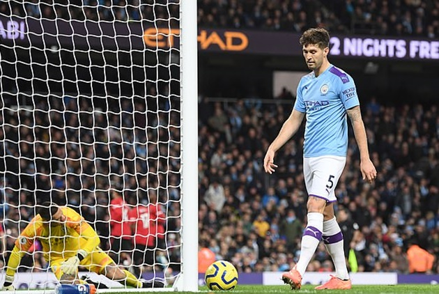 'If he wants to be a top centre half and play for England again, he can't stay': Rio Ferdinand urges John Stones to leave - Bóng Đá