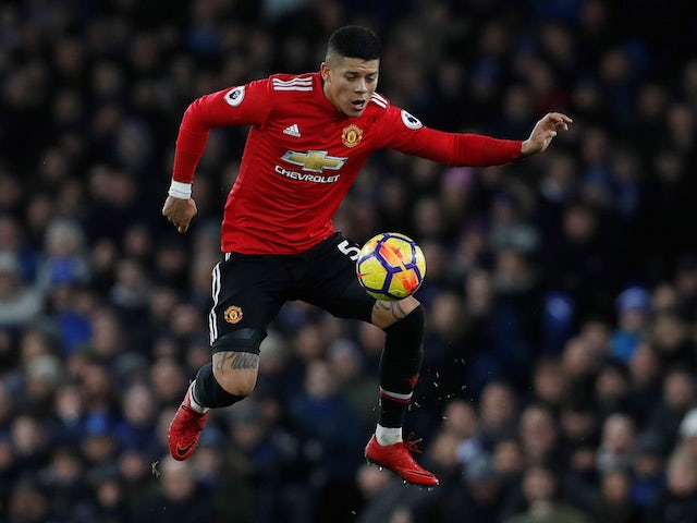 Về Man United hùng hục tập luyện, 'kẻ thất sủng' gây ấn tượng với Solskjaer