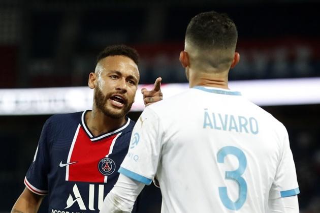 Neymar accuses Marseille defender Gonzalez of racism after being sent off for slap during brawl - Bóng Đá