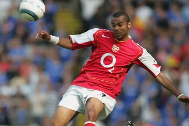 Ashley Cole has opened up on his move to Chelsea - Bóng Đá