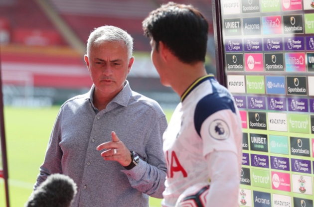 Jose Mourinho interrupts Heung-min Son's interview to tell him Harry Kane is Man of the Match  - Bóng Đá