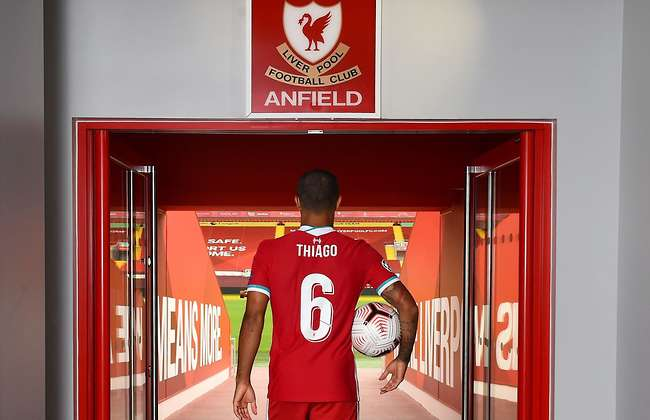 Thiago reveals Fernando Torres told him not to touch the 'This is Anfield' sign at Liverpool - Bóng Đá
