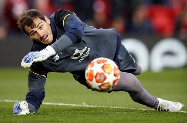 Ở khoản giữ sạch lưới, Casillas cán mốc 59 lần giúp đội nhà bảo toàn mành lưới, qua 2 màu áo Real và Porto.