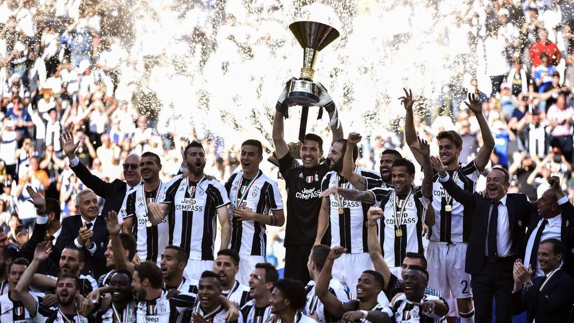 Những khoảnh khắc rực rỡ nhất của Buffon tại Juventus: Từ Serie B cho đến 9 lần giành Scudetto - Bóng Đá