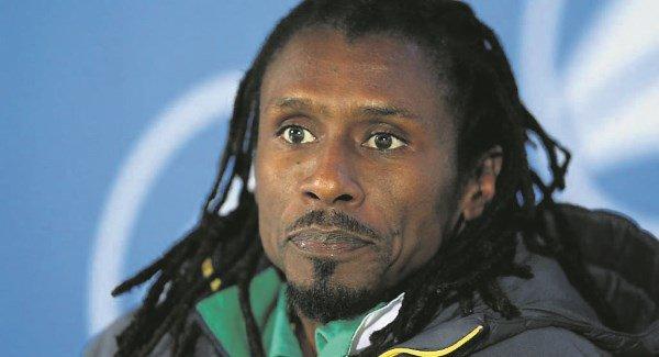 HLV Senegal muốn có thêm nhiều nhà cầm quân da màu - Bóng Đá