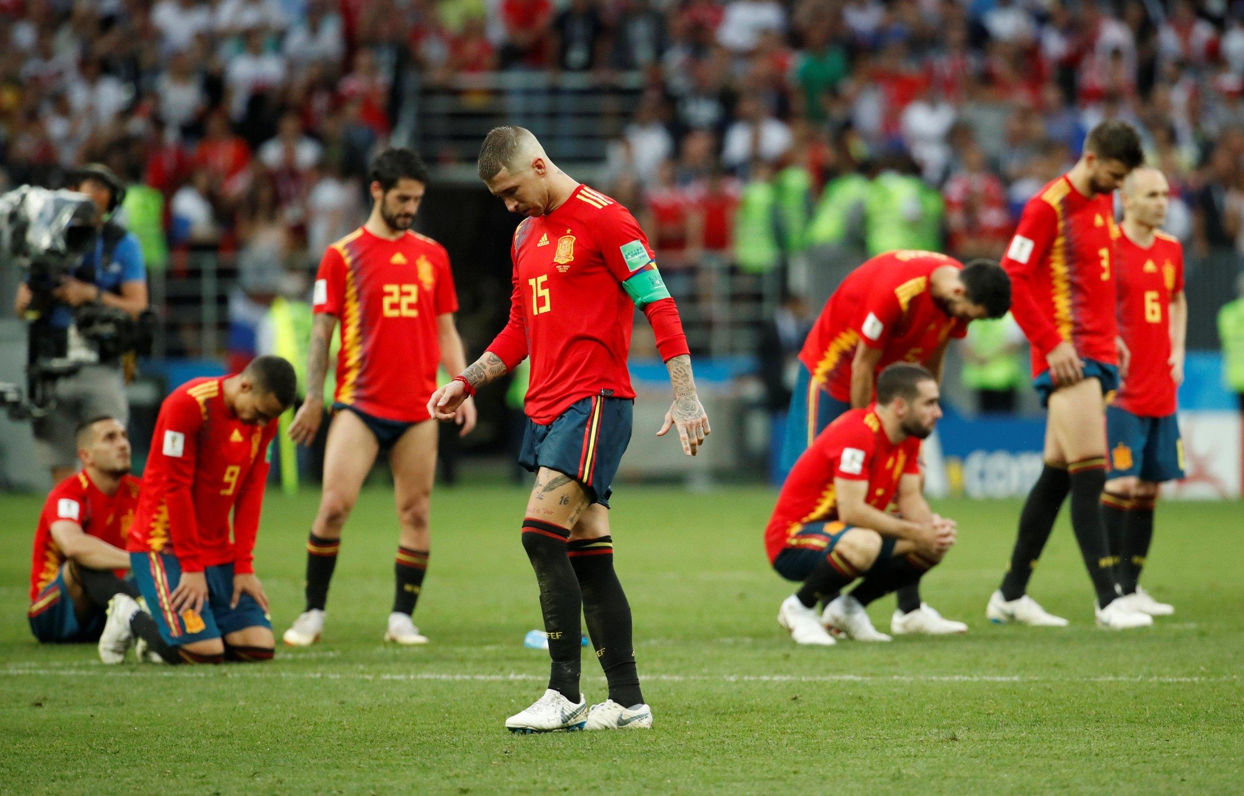 Tương lai Hierro bất ổn sau thất bại của Tây Ban Nha - Bóng Đá