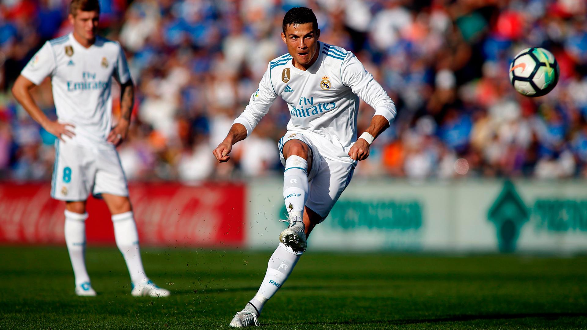 10 kỷ lục có thể bị phá vỡ bởi Ronaldo sau khi anh chuyển đến Juve - Bóng Đá