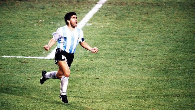 Lionel Messi: Tìm giấc mơ World Cup trong nỗi ám ảnh Maradona - Bóng Đá